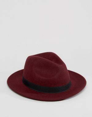 ASOS Бордовая фетровая шляпа с пряжкой-подковой. Цвет: красный