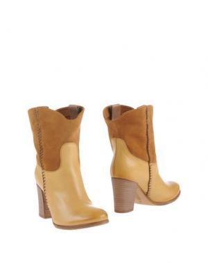 Полусапоги и высокие ботинки ALBERTO FERMANI. Цвет: охра