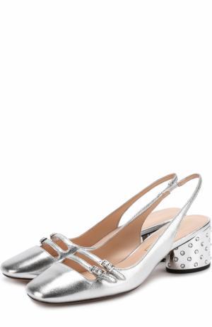 Туфли из металлизированной кожи на каблуке с декором Marc Jacobs. Цвет: серебряный