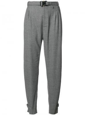 Зауженные брюки с высокой талией Alyx. Цвет: серый