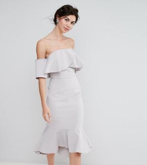 True Decadence Tall Платье-бандо миди с крупными оборками. Цвет: серый