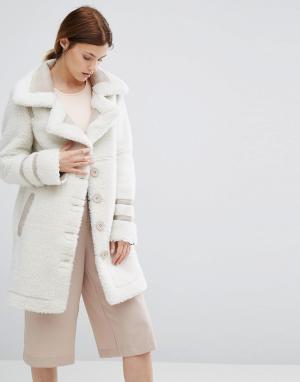 Urbancode Пальто из искусственной замши с отделкой борг. Цвет: бежевый