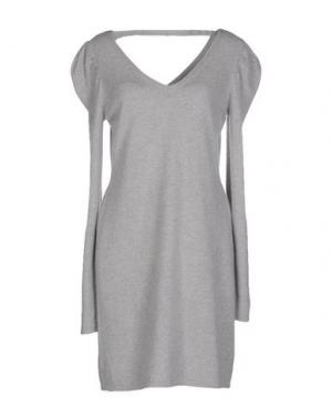 Короткое платье QI CASHMERE. Цвет: светло-серый