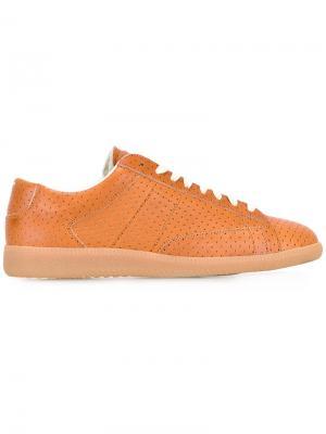 Кроссовки с перфорацией Maison Margiela. Цвет: коричневый