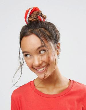 ASOS Новогодняя резинка для волос с блестками. Цвет: красный