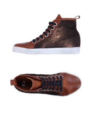 Высокие кеды и кроссовки OSVALDO1956. Цвет: коричневый