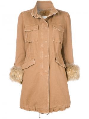 Пальто с меховой оторочкой Bazar Deluxe. Цвет: телесный