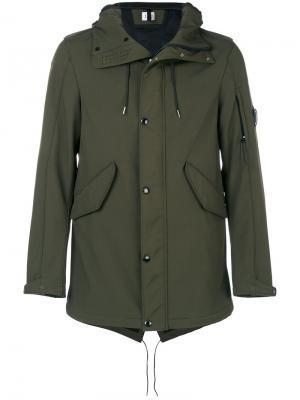 Куртка с капюшоном  и прозрачной вставкой CP Company. Цвет: зелёный