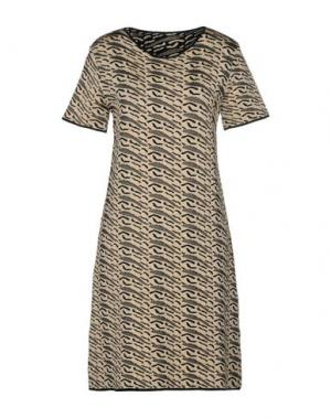 Короткое платье BOUCHRA JARRAR. Цвет: бежевый