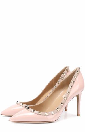 Лаковые туфли Rockstud на шпильке Valentino. Цвет: светло-розовый