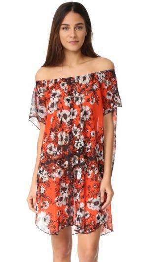 Платье с открытыми плечами и цветочным рисунком Fuzzi. Цвет: fiamma