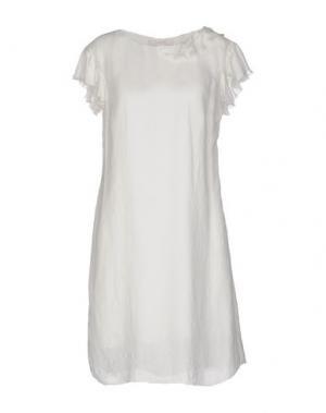 Короткое платье KRISTINA TI. Цвет: белый