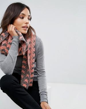 Alice Hannah Жаккардовый шарф со звездами. Цвет: коричневый