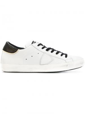 Кеды на шнуровке Philippe Model. Цвет: белый