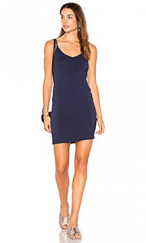 Платье с вырезом v LA Made. Цвет: синий