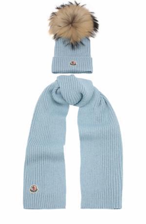 Комплект из шарфа и шапки Moncler Enfant. Цвет: голубой