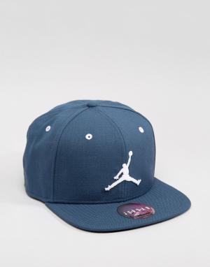Jordan Синяя бейсболка Nike Jumpman 619360-464. Цвет: синий