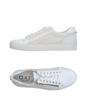 Низкие кеды и кроссовки CULT. Цвет: белый