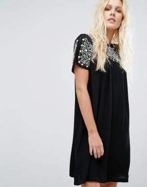 Little White Lies Платье с отделкой Oaxacan. Цвет: черный