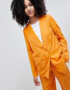 Gestuz Оранжевый блейзер с принтом перьев. Цвет: оранжевый