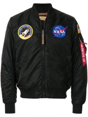 Бомбер с заплатками Nasa Alpha Industries. Цвет: чёрный