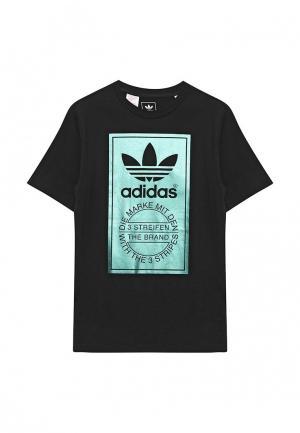 Футболка adidas Originals. Цвет: черный