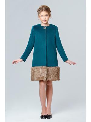 Пальто с мехом MORU. Цвет: зеленый