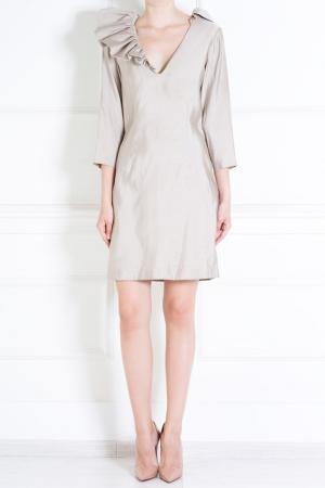 Шелковое платье Byrdie Ruffian. Цвет: бежевый