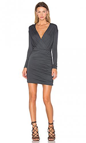 Мини платье kelsi De Lacy. Цвет: серый