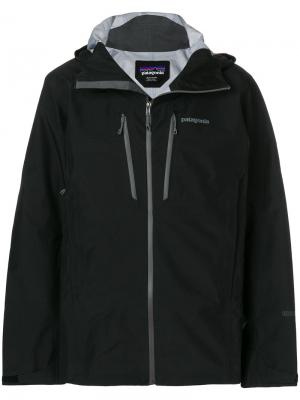 Куртка Triolet на молнии Patagonia. Цвет: чёрный