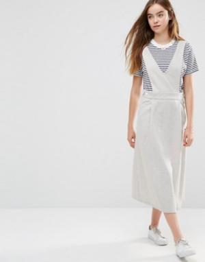 Shades of Grey Платье с V-образным вырезом. Цвет: серый