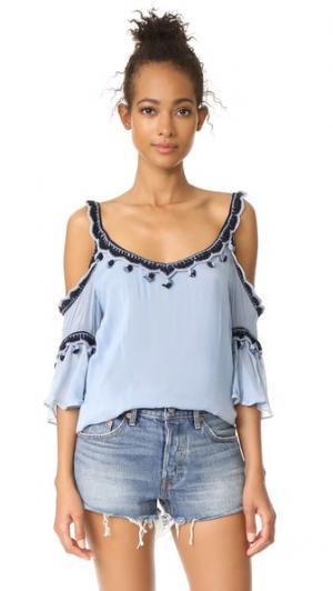 Блуза с открытыми плечами Love Sam. Цвет: голубой