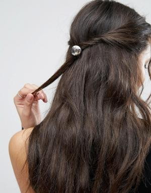 ASOS Резинка для волос с гравированным диском. Цвет: серебряный