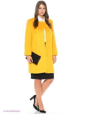 Пальто FORTUNA. Цвет: желтый
