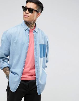 ASOS Джинсовая оверсайз-рубашка с контрастным карманом. Цвет: синий