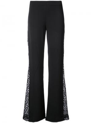 Расклешенные брюки с боковыми кружевными вставками Alice+Olivia. Цвет: чёрный