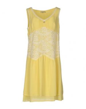 Короткое платье REBEL QUEEN. Цвет: желтый