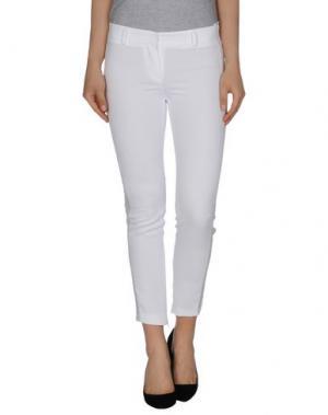 Повседневные брюки VIOLET ATOS LOMBARDINI. Цвет: белый