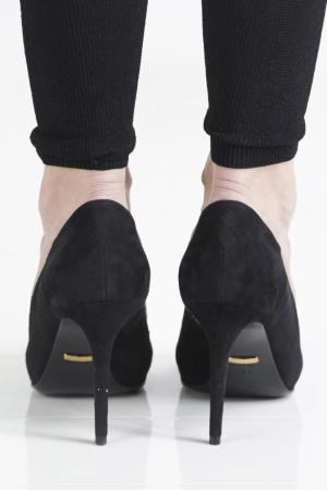 Кожаные туфли Gucci. Цвет: черный, золотой