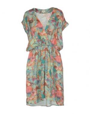 Короткое платье INTROPIA. Цвет: светло-зеленый