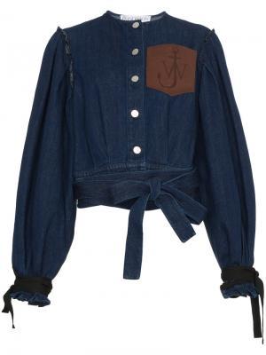 Джинсовая куртка с кожаным карманом JW Anderson. Цвет: синий