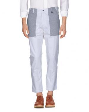 Повседневные брюки MC MASTER OF CEREMONIES. Цвет: белый