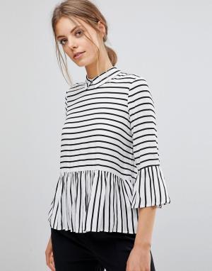 Esprit Рубашка в полоску с оборками и пуговицами на спине. Цвет: белый