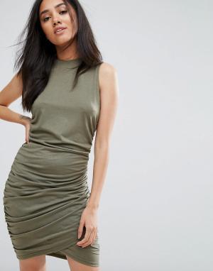 AX Paris Платье мини цвета хаки с высоким вырезом и запахом. Цвет: зеленый