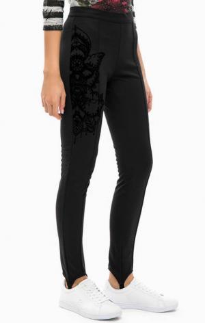 Черные трикотажные брюки с принтом Desigual. Цвет: черный