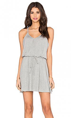 Плиссированное платье ками Bella Luxx. Цвет: серый