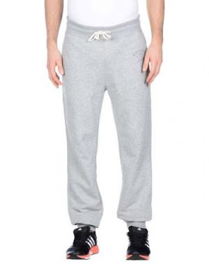 Повседневные брюки RUSSELL ATHLETIC. Цвет: светло-серый