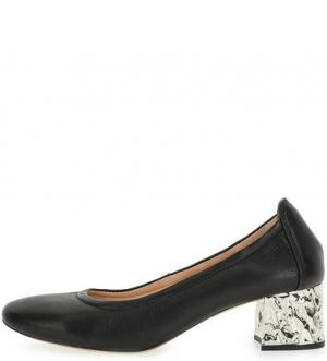 Черные кожаные туфли на устойчивом каблуке UNISA. Цвет: черный