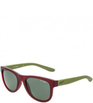 Солнцезащитные очки в пластиковой оправе Arnette. Цвет: зеленый