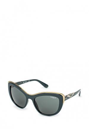Очки солнцезащитные Vogue® Eyewear. Цвет: зеленый